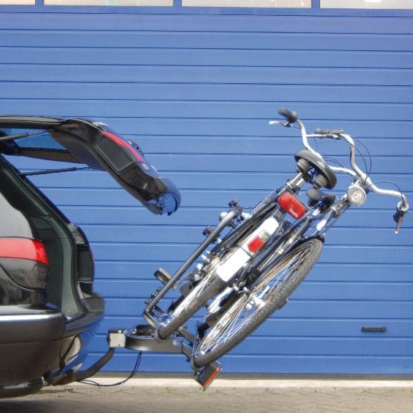 Carpoint Fietsdrager Carlo compact 2009 2 fietsen (met 5-functies achterlichten, voorgemonteerd) 22631